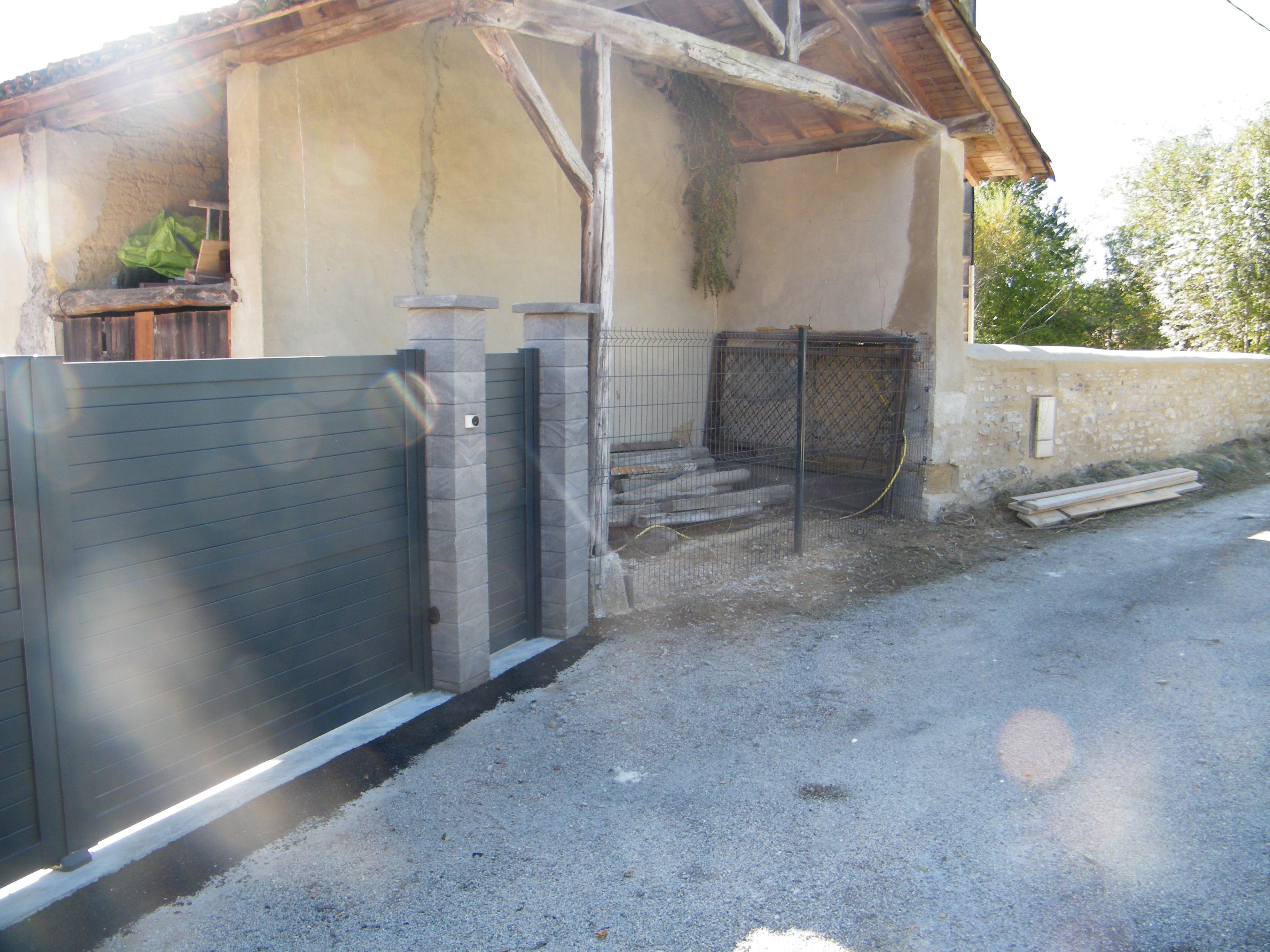 Pose d'un portail aluminium - 01370 TREFFORT CUISIAT